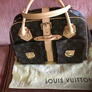 LV SATCHEL ,  New, never used. Duster